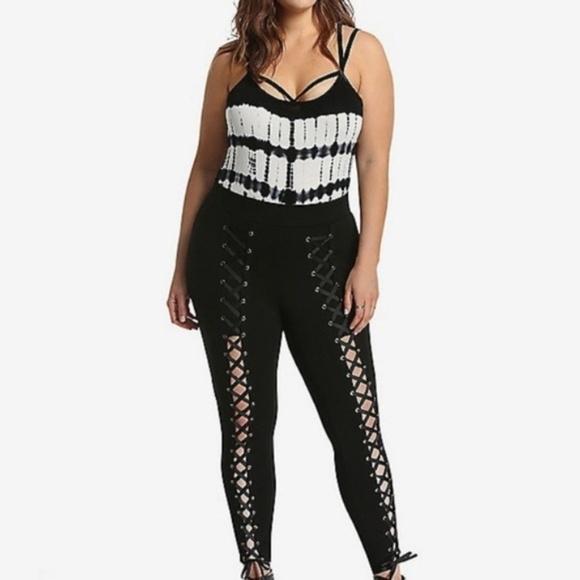 torrid Pants - Torrid Lace Up Pixie Black Pants NWT Sz 2